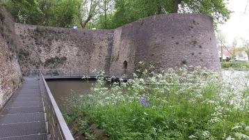 Vestingen (Kasteelgracht) - Les remparts - Ramparts ©YRH2015