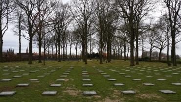 Duitse militaire begraafplaats in Langemark-Poelkapelle - German Cemetery (Langemark-Poelkapelle)- Cémétière allemagne (Langemark-Poelkapelle) ©YRH2016
